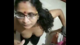 लंड की भूकी चाची की लंड चूसाई वीडियो