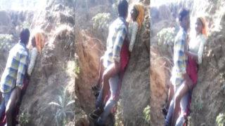 आदिवासी लड़की कि चूत चुदाई खुले में