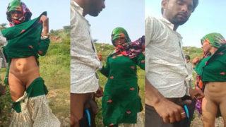 राजस्थानी आदिवासी औरत कि नंगी चूत दिखाई खुले में
