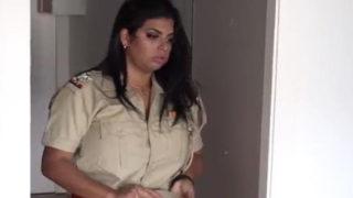 लेडी पोलीस ऑफीसर और चोर की जबरदस्त सेक्स