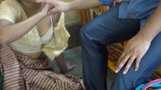 देहाती क्सक्सक्स चुदाई वीडियो बाल्टी बेचने वाली औरत की