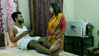 बेंगाली मिलफ आंटी और कॉलेज बॉय की जोरदार चुदाई वीडियो
